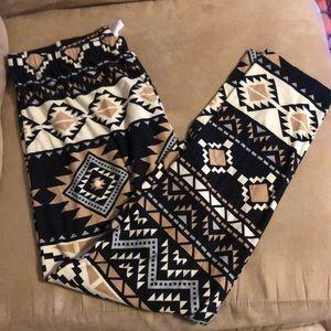 Aztec print super soft leggings